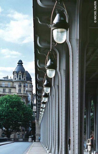 Les luminaires du pont de Bir-Hakeim