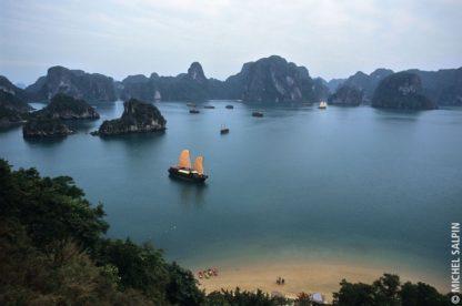 Vue sur la baie d'Along - Vietnam