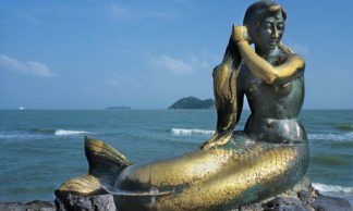 La stautue de la petite sirène dorée - Songkhla