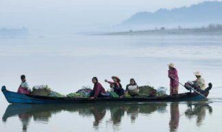 sur le fleuve irrawaddy - Myithkyina