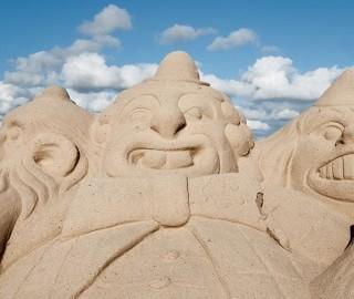 Sculpture sur sable au Trez-Hir à Plougonvelin