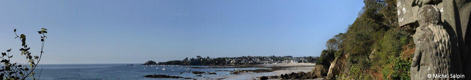 panorama de la plage du Trezhir à Plougonvelin vue de la plage de Sainte-Anne