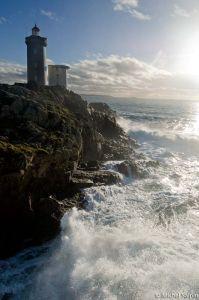Le phare du Minou par gros temps