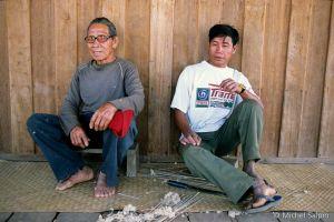 Tha-khaek-laos-01