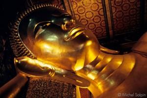 Wat Po, le bouddha couché en Or